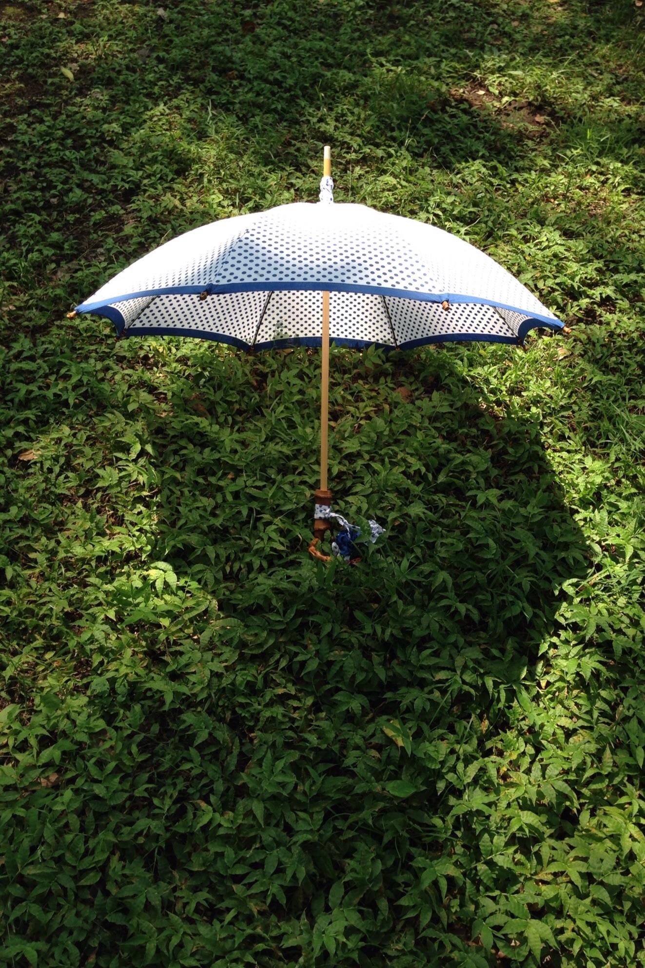 水玉の日傘